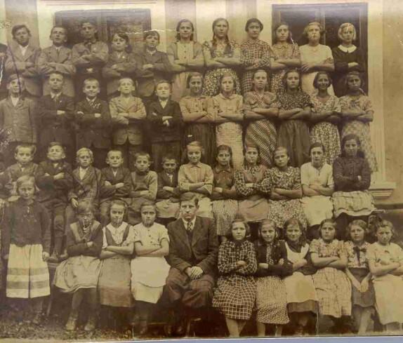 Schulfoto Volksschule Jabing - Schuljahr 1934 (????)